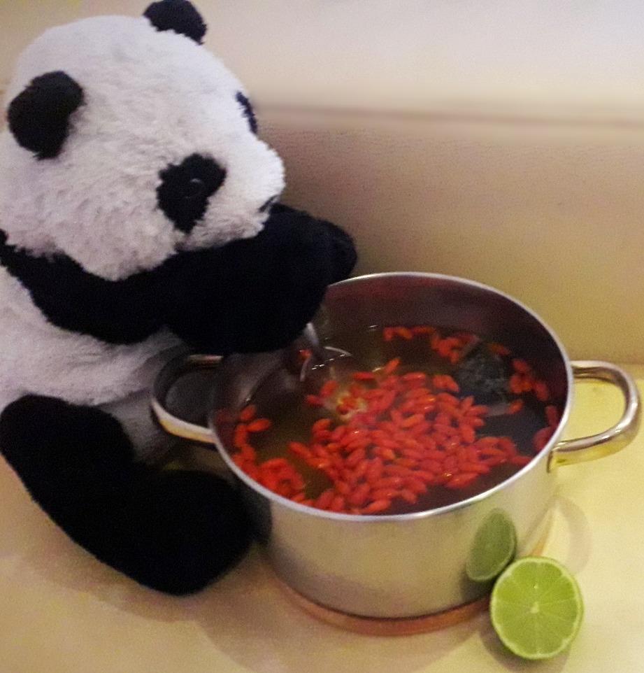 Groen ijsthee met gojibessen en limoen - Recept - Superpandafood