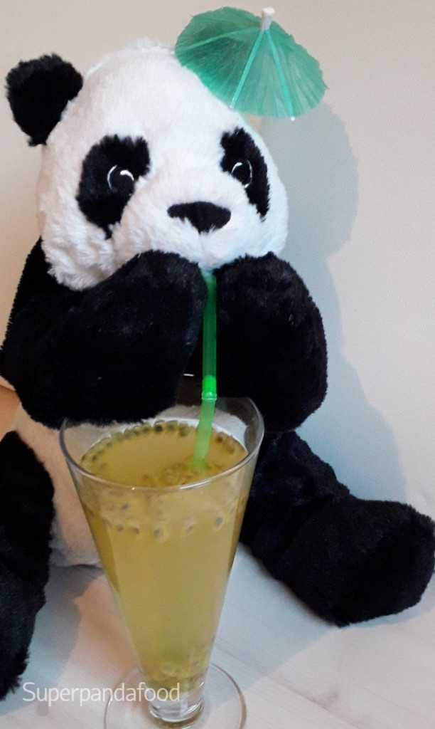 Groene ijsthee met passievrucht en limoen - Mocktail