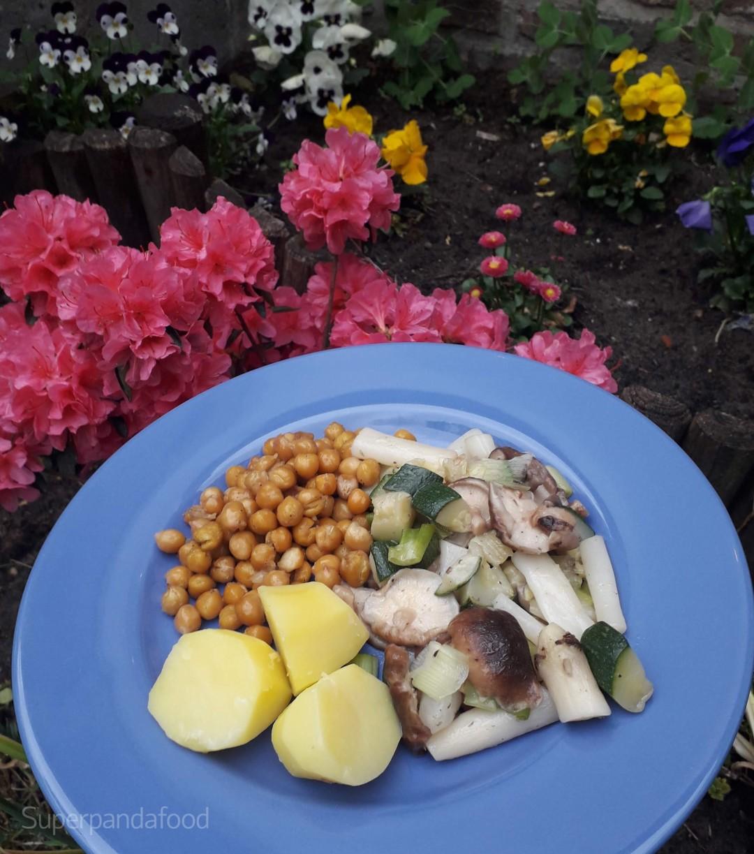 Geroosterde kikkererwten met shiitake, schorseneren en lente-ui - Vegetarisch recept